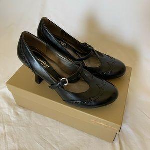 Black Mary Jane pump